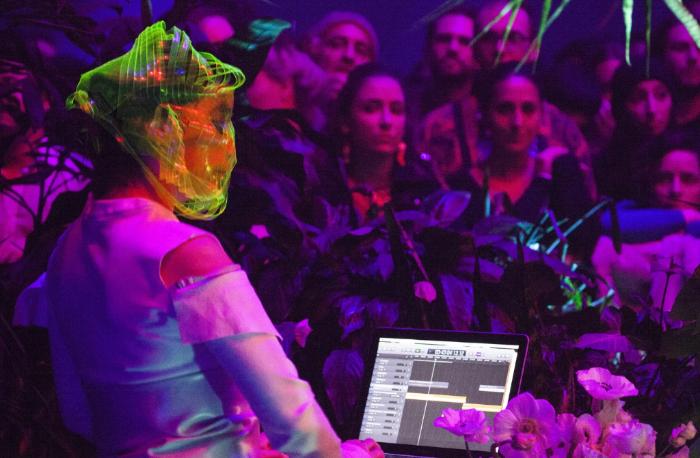 Exitoso estreno de la exposición Björk Digital