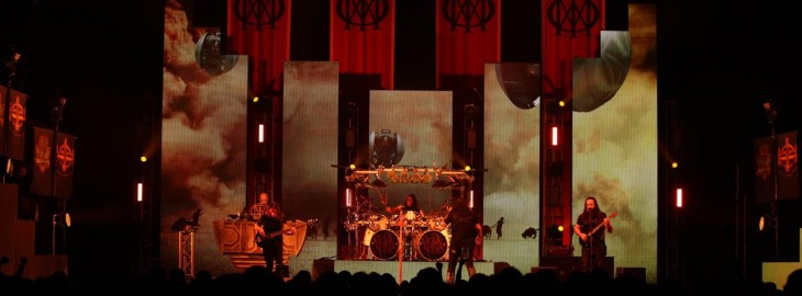 Dream Theater luce Astonishing.