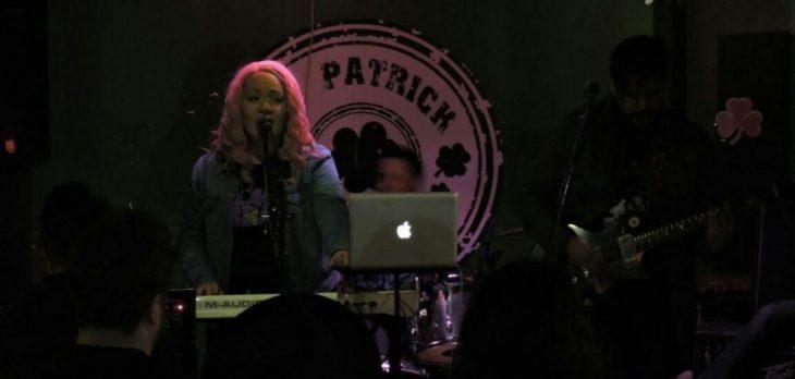 Metheora da muestra de su iridiscencia musical a su paso por México durante su gira Zarpe Tour